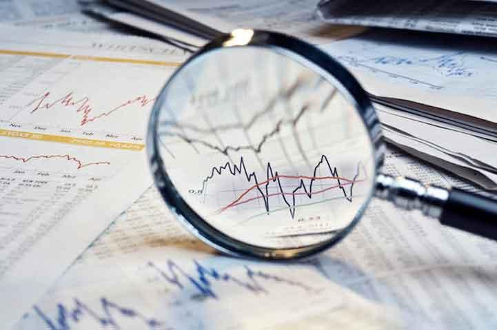 senior-finance-news-tips-tricks.jpg